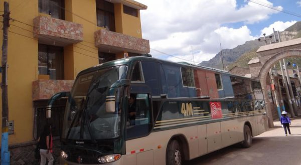 Tourist route with stops: Puno – Chivay 4m-express