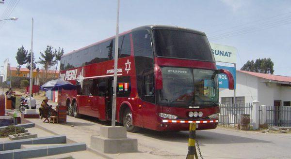 Bus: Puno – Desaguadero – La Paz (Bus directo)