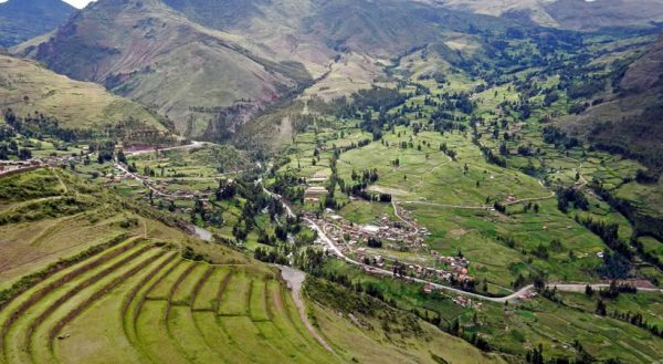 Sacred valley – Aguas calientes – Machupicchu (2d/1n) / Collective service