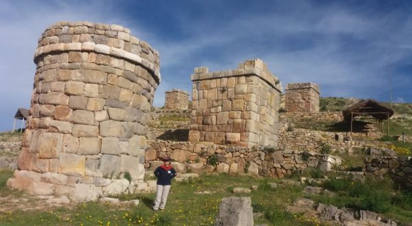 Puno – Cutimbo – Chucuito – Aramumuro: (Portal of the gods) – Juli – Pomata – Puno