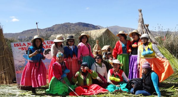 Tours to the Uros islands cultural (2d/1n) / Collective service