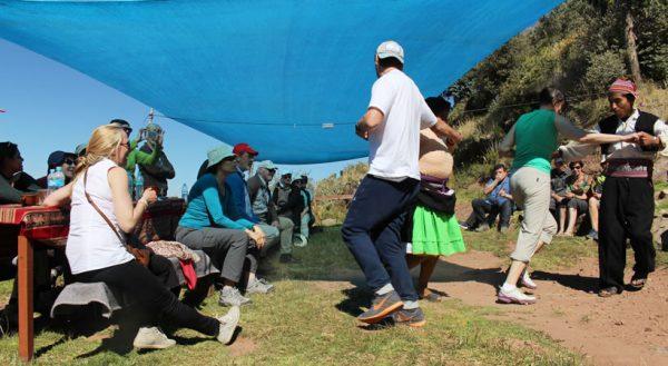 Tours a las islas de los Uros cultural + Taquile (2d/1n) / Servicio colectivo