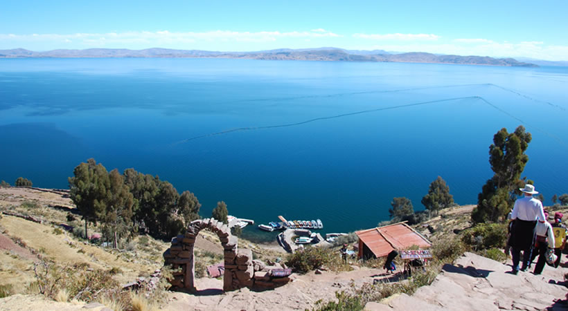 Tours Uros and Taquile Islands (Full day) / Collective service